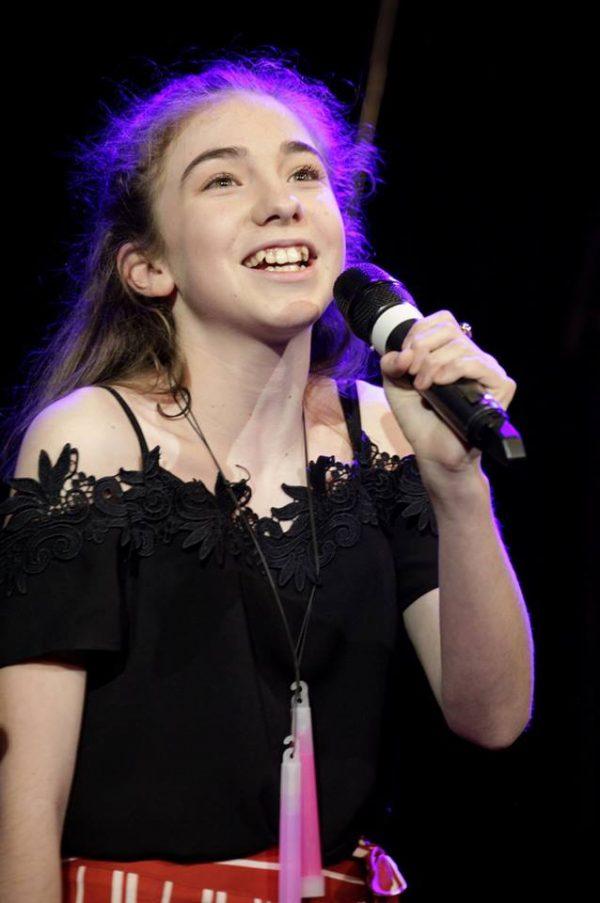 Mia Hayman-Lewis - Singer